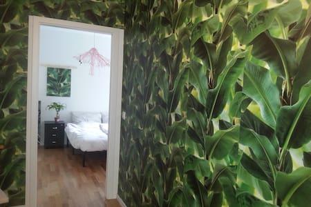 Top modern Apartment Jungle room, Walking Tour - Berlin