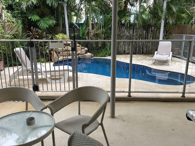 Affordable with pool and jacuzzi 20min from Darwin