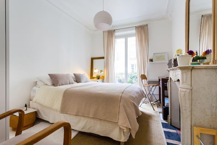 Cosy flat Paris, Trudaine, Martyrs, Sacré Coeur
