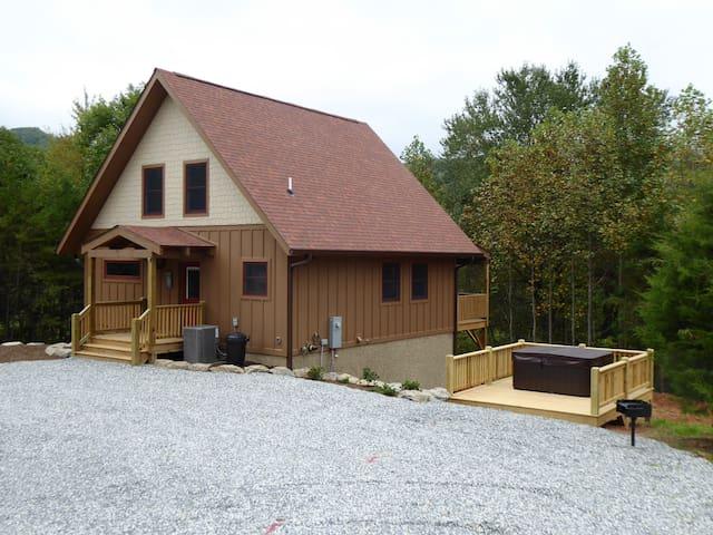 Fox Ridge Cabin near Cherokee - Whittier