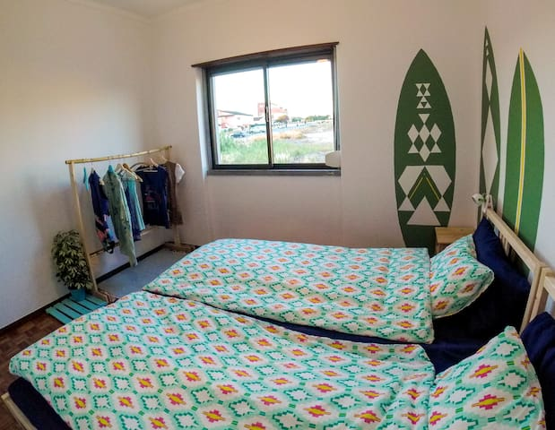 The twin room can easily be turned into a double bedroom for you.