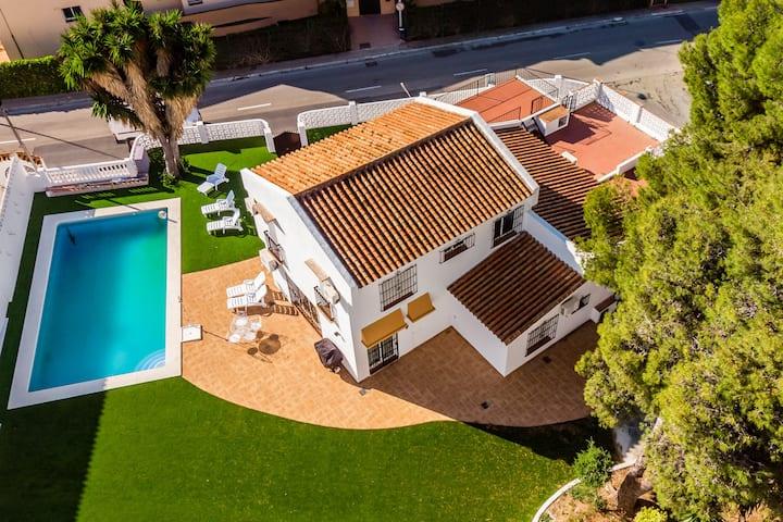 Charming Villa Orquídea with private pool