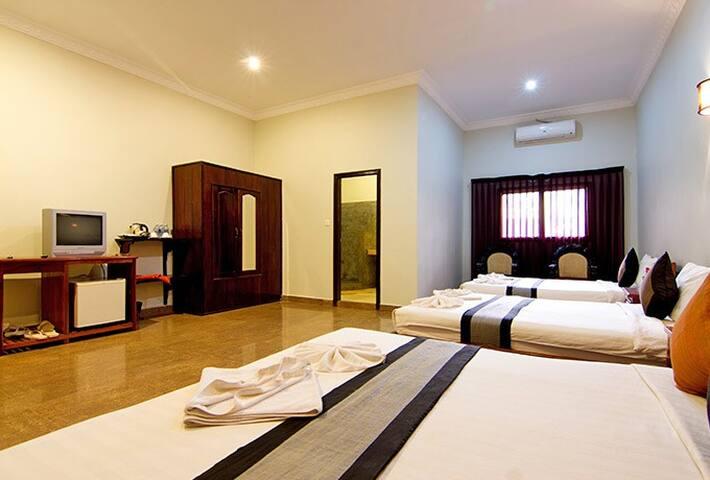 Angkor Spirit Palace Family Room - Krong Siem Reap - Bed & Breakfast