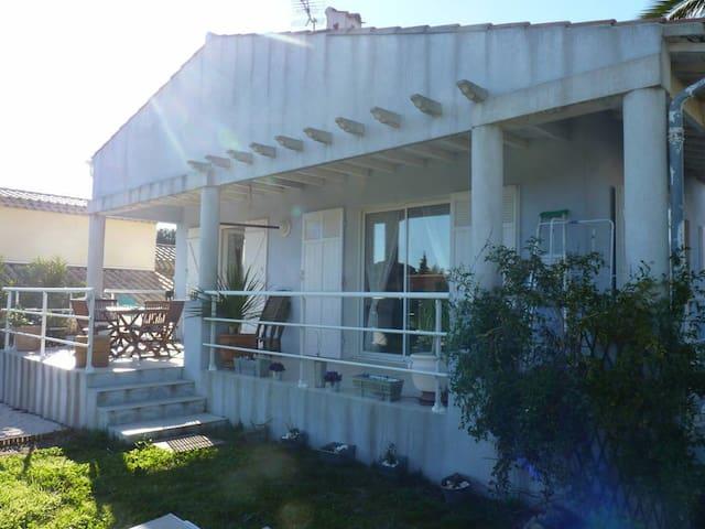La Maison Bleue - Fréjus - Casa
