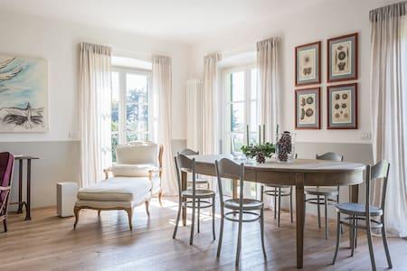 Glamorous Villa with amazing view - Albisola Superiore - Dom