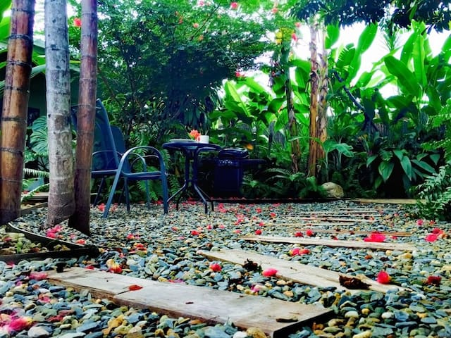 Completely private garden... enjoy a lazy tropical breakfast.