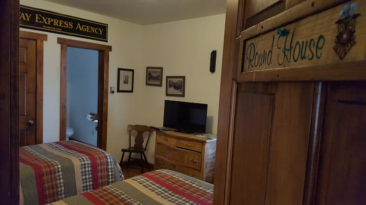 Minturn Inn - Superior Room - Round House