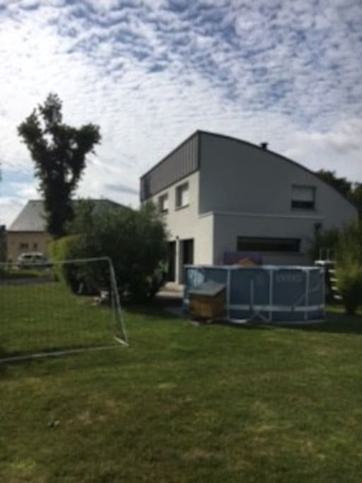 Maison proche vannes et plages houses for rent in surzur for Piscine surzur