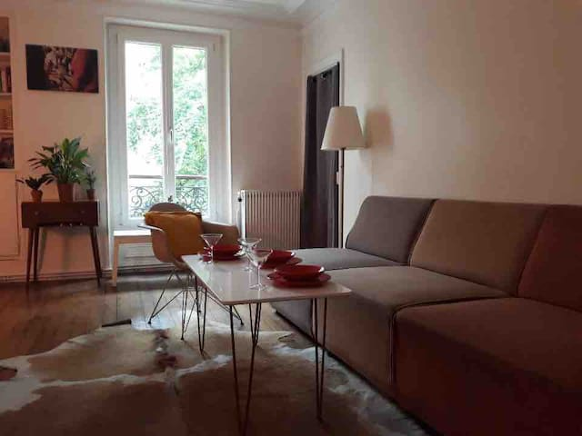 Bright and cosy bedroom in Daumesnil (16 sqm)