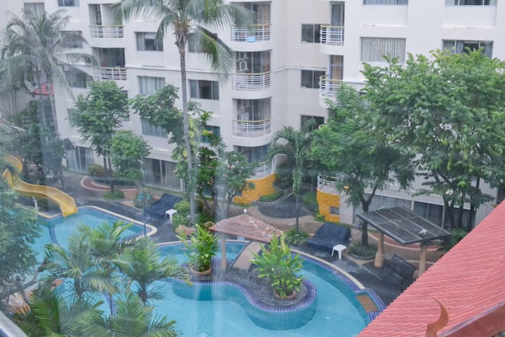 Lovely Apartment with Swiming Pool and Sea View