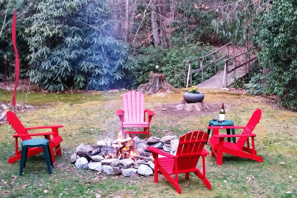 Enjoy the large fire pit in the back yard next to the creek!  Great place to relax after a day of adventure.
