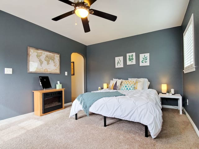Breathe Deep in this Amazing Suite!