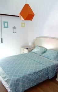Cosy Room for Couple near the beach - Alcabideche