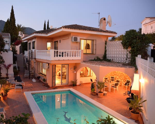 4-bedroom villa with private heatable pool