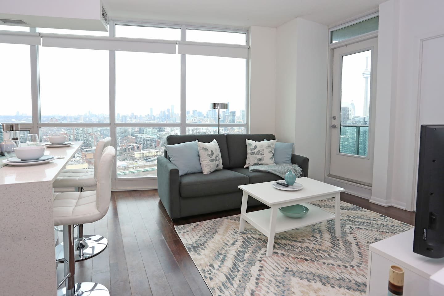 High rise condo with 180 degree view of Toronto.