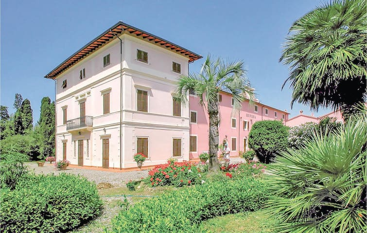 Holiday apartment with 1 bedroom on 40m² in Cecina LI