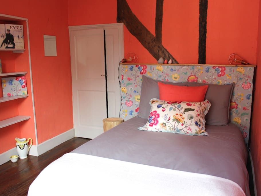 Mrs Dalloway room with a double bed.
