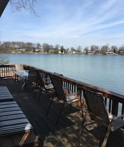 Lakeway Getaway for Fall - Plainwell - Casa