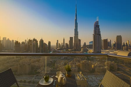 Burj Khalifa View - Luxury 2 Bed in Downtown Dubai