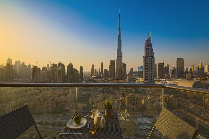 Burj Khalifa View - Luxury 2 Bed in Downtown Dubai