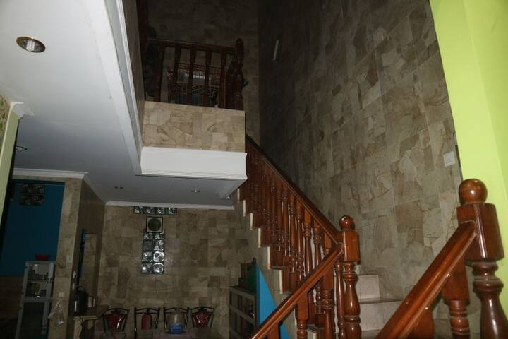 upstairs room acces