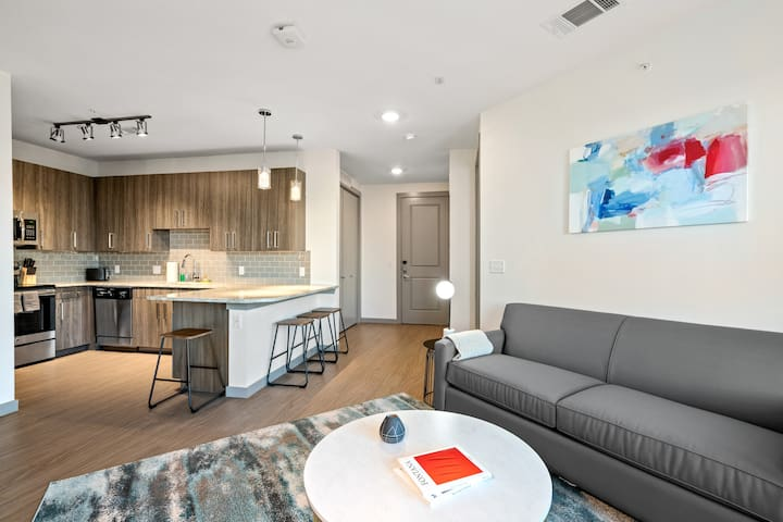 Kasa | Arlington | Inspired 2BD/2BA Deluxe Apartment