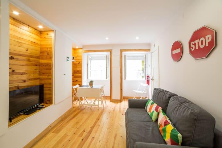 Martim Moniz Bright Apartment