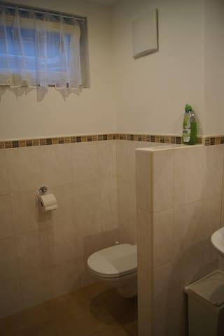 Bad/Toilette