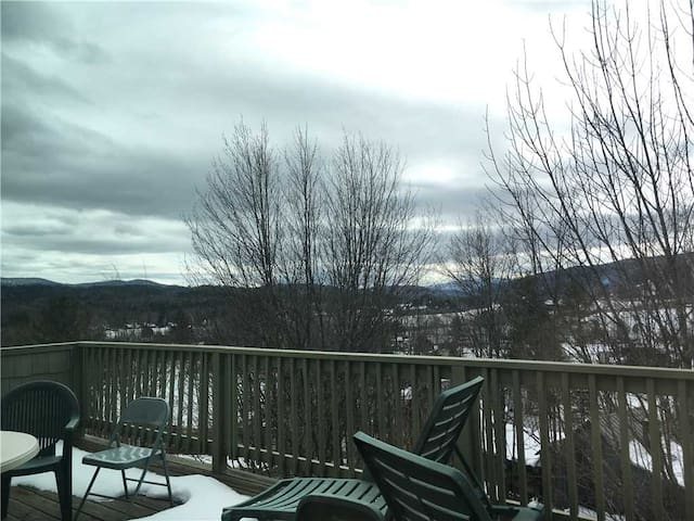 Mountainside Resort at Stowe, Condo B401