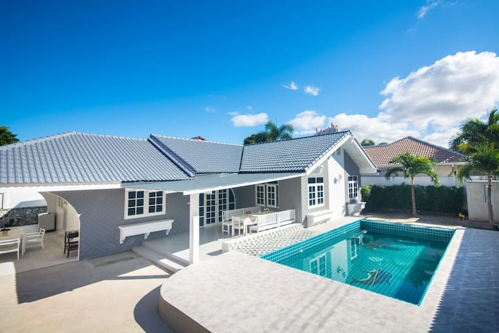 Loma Pool villa/ 5 Bedrooms /private pool /Pattaya