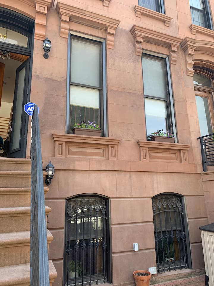Bed Stuy Brownstone 1 BR Apartment