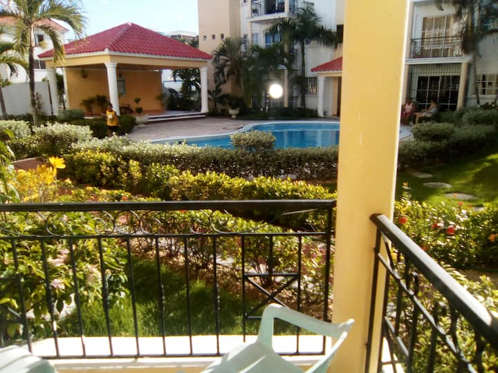 Beautiful one bedroom 10 minute from the beach.