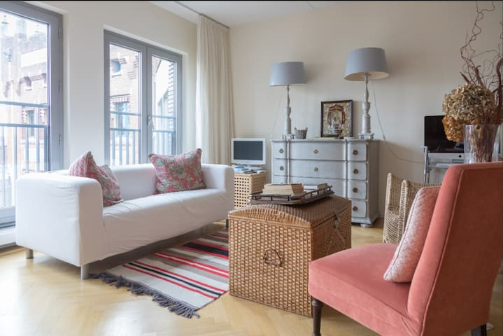 The Hague Temporary Stay Double Bed