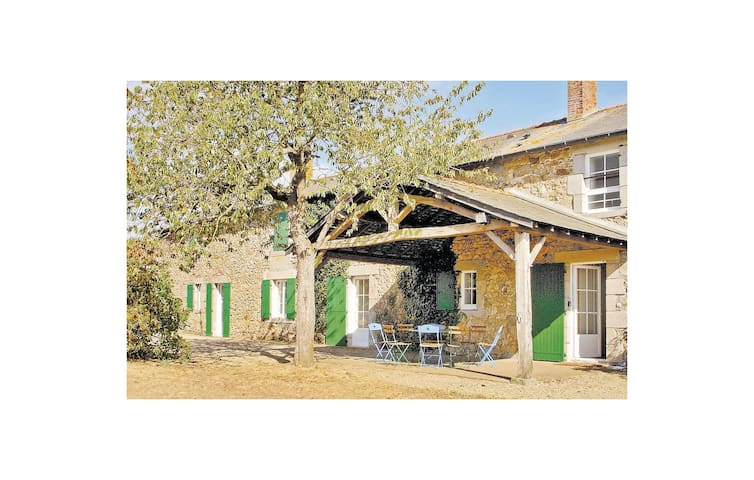 Holiday cottage with 3 bedrooms on 0 m² FJD004
