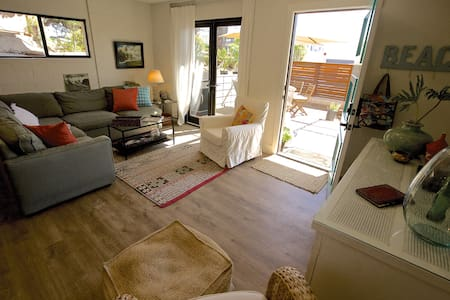 Heart of Leucadia Beach Living - Encinitas - Apartment
