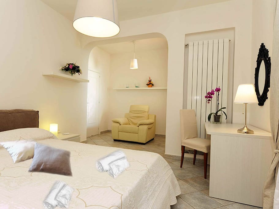 Double bedroom Villa Nilly Sorrento coast booking holidays up rentals Amalfi coast