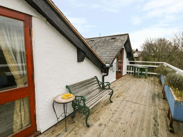 HILLFORT, country holiday cottage in Graigfechan, Ref 972056