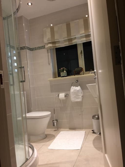 Large Private Ensuite Bathroom