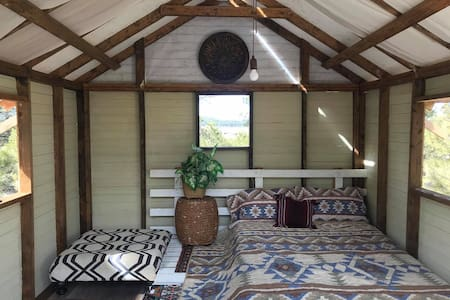 GLAMPING CABIN near the Grand Canyon!