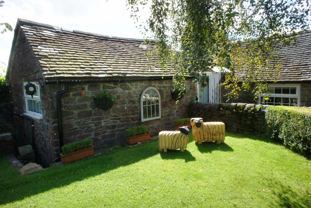 Cosy Peak District cottage for 2 with all amenities, set in gorgeous countryside