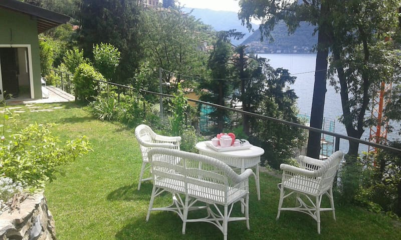 """Cabin on the lake"", Nesso, 25 km from Como - Nesso - Houten huisje"