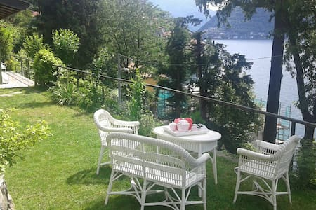 """Cabin on the lake"", Nesso, 25 km from Como - Cottage"