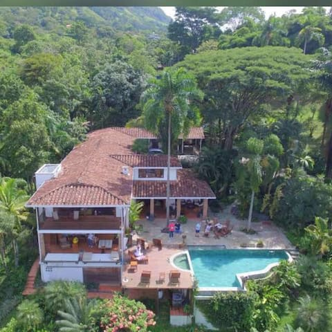 The Tropical Forest Villa