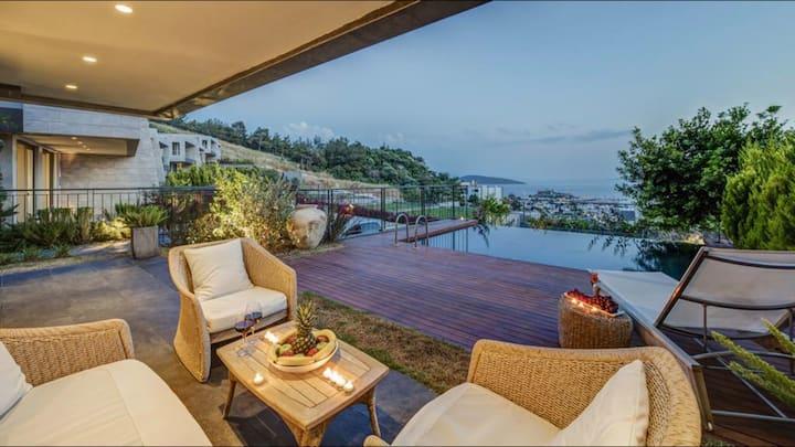 3+1 Özel Havuzlu Villa(Deniz veya Şehir Manzaralı)