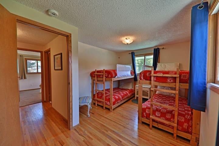 Upstairs room with twin bunks