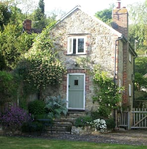 Cottage in an Area of Outstanding Natural Beauty - Kent - Casa