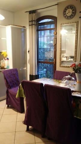 Stanza in villa cortile e giardino - San Donato Milanese - Casa