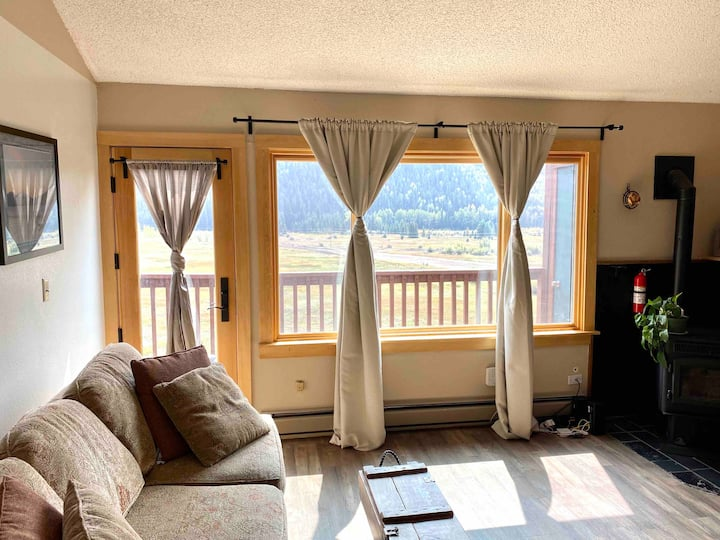 Comfortable and Convenient | Sleeps 4