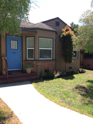 A Cozy Duplex, Pet Friendly, Desirable Seabright - Santa Cruz - Apartment