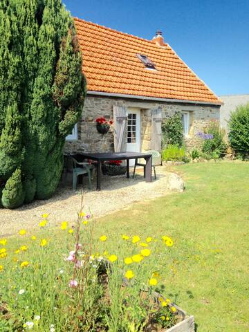 Cottage Finistere Brittany (Plouzevede/Berven)